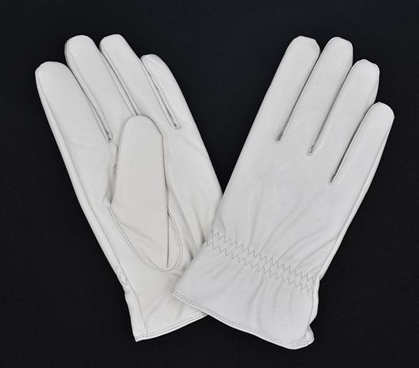 白色真皮手套